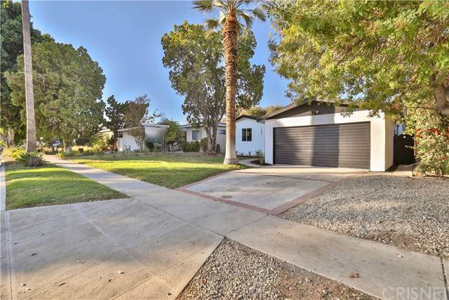 13801 Cohasset Street, Van Nuys, CA 91405 (#SR19261960) :: The Brad Korb Real Estate Group