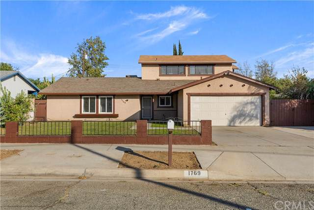 1769 N Lilac Avenue, Rialto, CA 92376 (#CV19261529) :: Mainstreet Realtors®