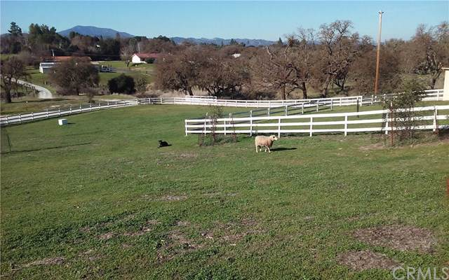 9480 Little Country Road, Atascadero, CA 93422 (#NS19262070) :: RE/MAX Parkside Real Estate