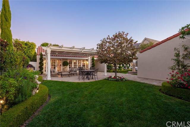 4 Monterey Circle, Corona Del Mar, CA 92625 (#NP19262359) :: The Miller Group