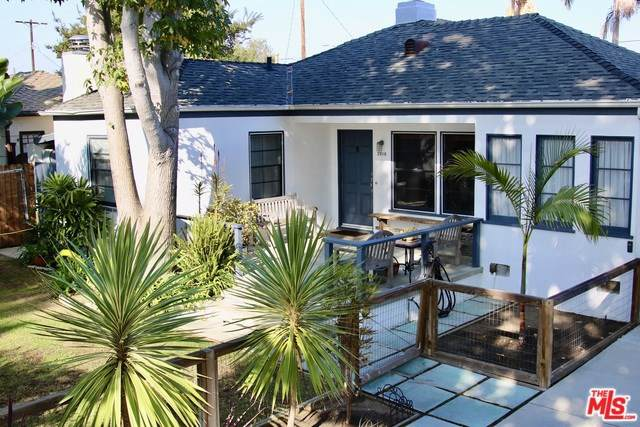 2810 Stoner Avenue, Los Angeles (City), CA 90064 (#19527982) :: The Brad Korb Real Estate Group