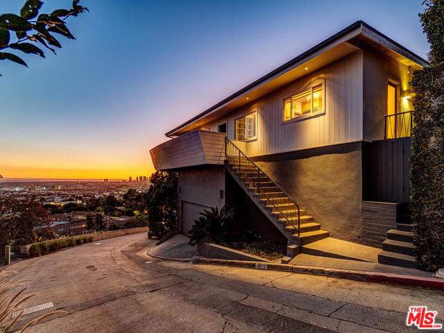8011 Fareholm Drive, Los Angeles (City), CA 90046 (#19529034) :: J1 Realty Group