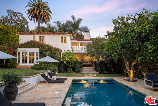 1355 N Doheny Drive, Los Angeles (City), CA 90069 (#19529072) :: J1 Realty Group