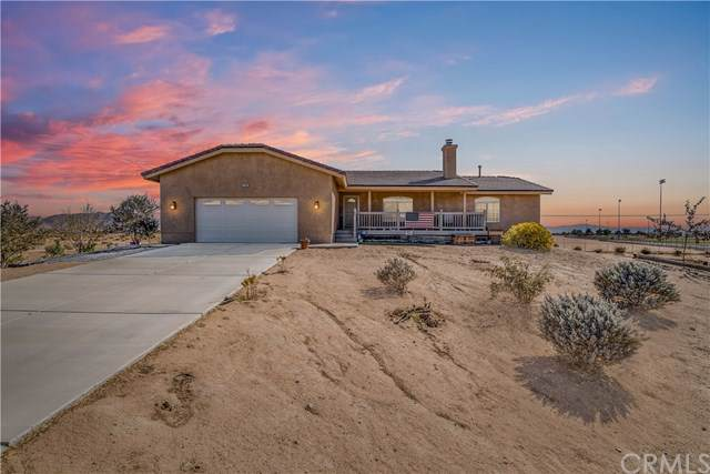 21181 Teepee Road, Apple Valley, CA 92307 (#WS19255049) :: J1 Realty Group