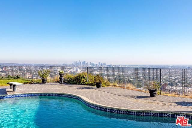 8200 Hillside Avenue, Los Angeles (City), CA 90069 (#19529342) :: J1 Realty Group