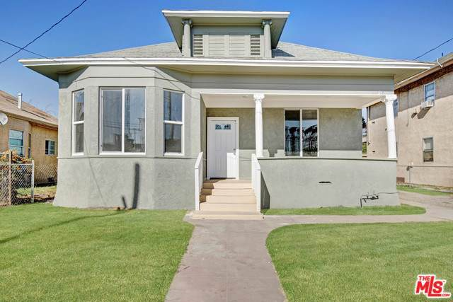 1076 W 5TH Street, San Bernardino, CA 92411 (#19529394) :: J1 Realty Group