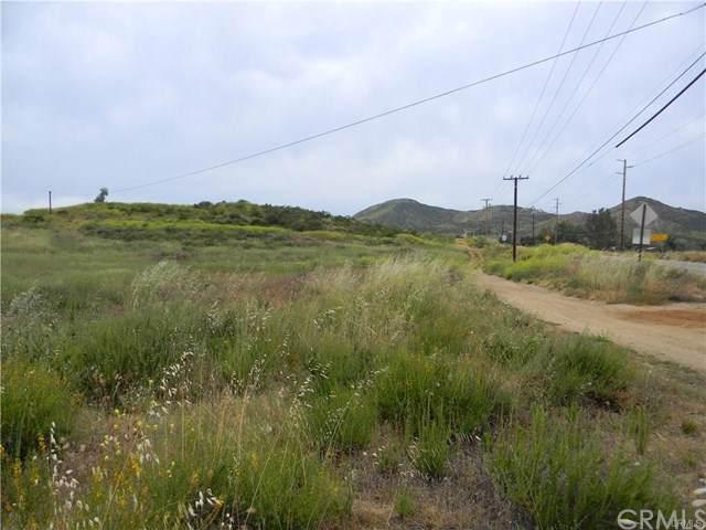 25099 Bundy Canyon Road, Menifee, CA 92584 (#SW19263096) :: Mainstreet Realtors®