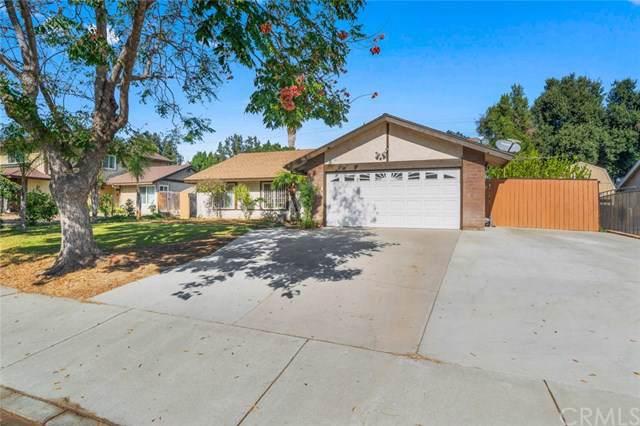 1066 W Fontlee Lane, Bloomington, CA 92316 (#IV19263147) :: Z Team OC Real Estate