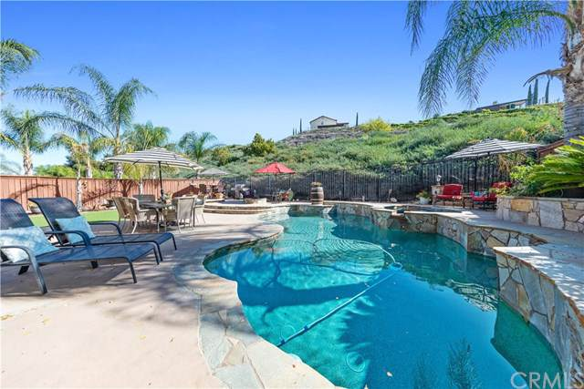 33547 Abbey Road, Temecula, CA 92592 (#SW19263268) :: Realty ONE Group Empire