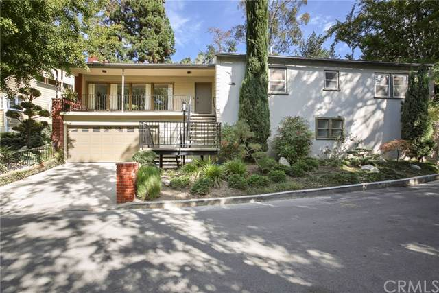 5749 Valley Oak Drive, Los Angeles (City), CA 90068 (#PF19261557) :: Pacific Playa Realty