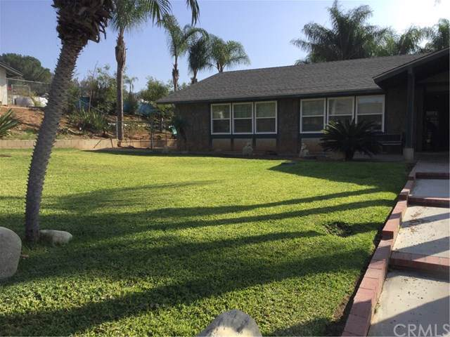 8562 56th Street, Jurupa Valley, CA 92509 (#CV19264268) :: J1 Realty Group