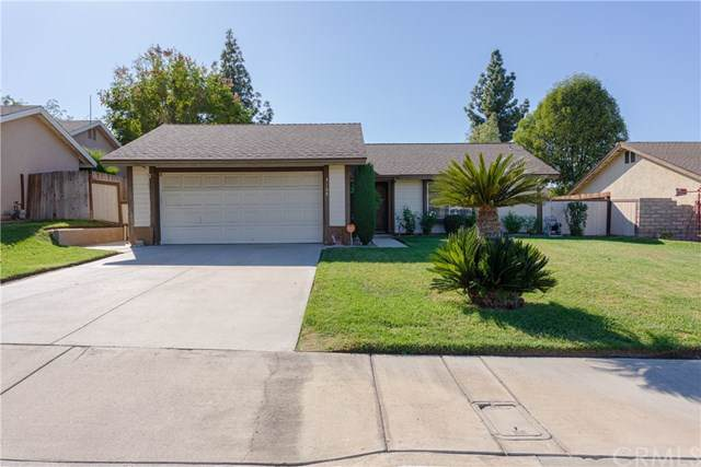 3168 Vineyard Way, Riverside, CA 92503 (#SW19264367) :: J1 Realty Group
