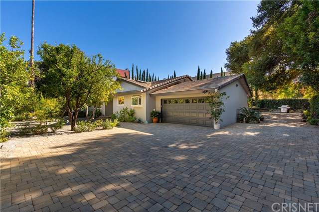 16926 Magnolia Boulevard, Encino, CA 91316 (#SR19264387) :: RE/MAX Estate Properties