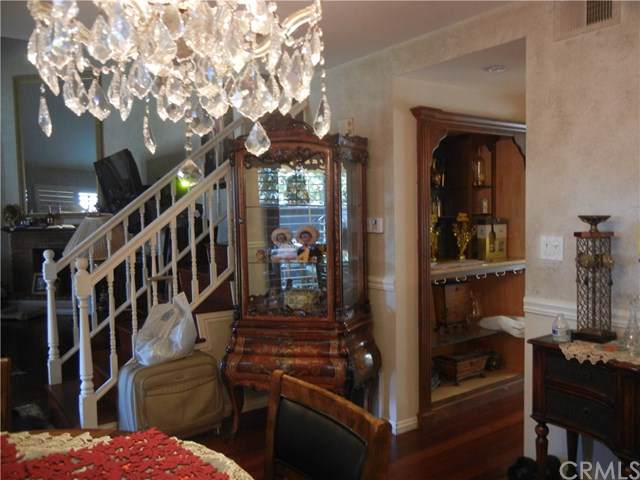 1805 Park Glen Circle C, Santa Ana, CA 92706 (#PW19264155) :: Doherty Real Estate Group