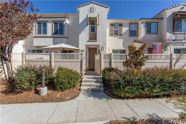 44037 Corriente Court, Temecula, CA 92592 (#SW19264636) :: Fred Sed Group