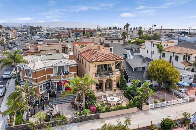 92 17th Street, Hermosa Beach, CA 90254 (#SB19263688) :: RE/MAX Estate Properties