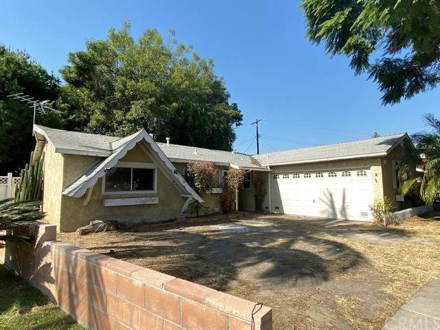 834 S Flintridge Drive, Santa Ana, CA 92704 (#OC19264691) :: Z Team OC Real Estate