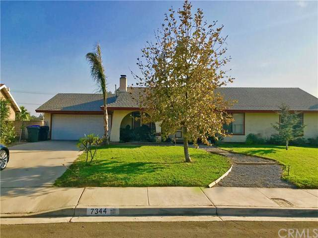 7344 Vega Avenue, Jurupa Valley, CA 92509 (#OC19264065) :: California Realty Experts