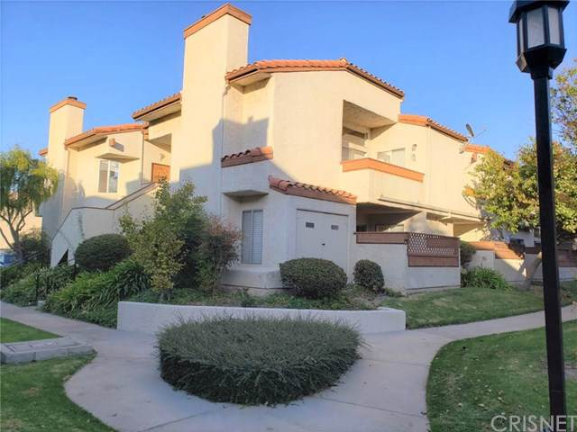 1730 Sinaloa Road #302, Simi Valley, CA 93065 (#SR19262917) :: RE/MAX Parkside Real Estate