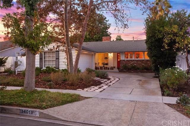 14019 Runnymede Street, Van Nuys, CA 91405 (#SR19263588) :: Steele Canyon Realty