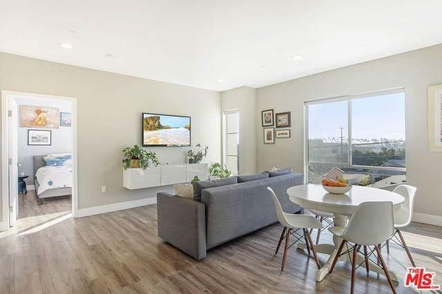 1101 S Harvard Boulevard #406, Los Angeles (City), CA 90006 (#19530146) :: Z Team OC Real Estate
