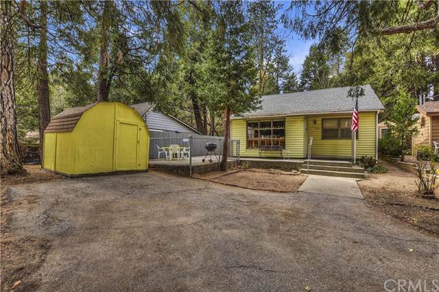 606 Leafy Lane, Crestline, CA 92325 (#EV19264977) :: The Miller Group
