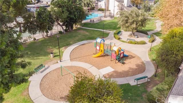 7631 Reseda Boulevard 44-Y, Reseda, CA 91335 (#SR19262021) :: The Brad Korb Real Estate Group