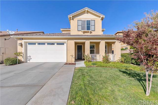 34376 Coppola Street, Temecula, CA 92592 (#SW19264010) :: The Najar Group