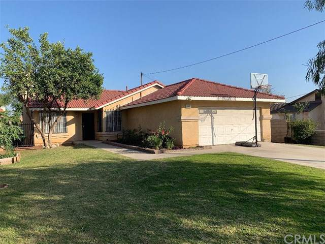 8975 Beech Avenue, Fontana, CA 92335 (#RS19265439) :: The Costantino Group | Cal American Homes and Realty