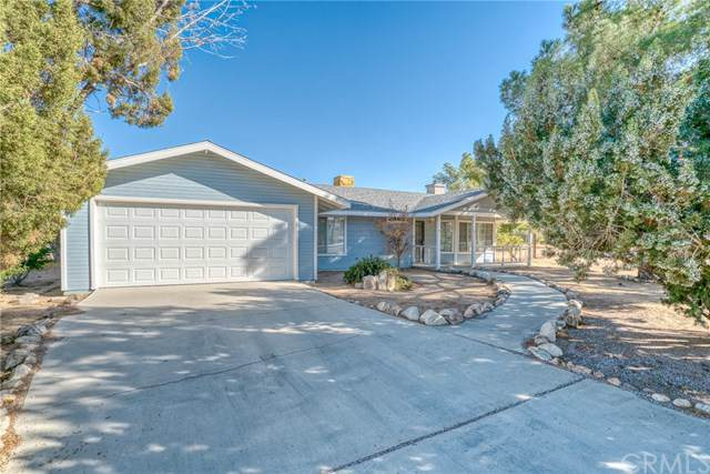 8371 Warren Vista Avenue, Yucca Valley, CA 92284 (#JT19264018) :: RE/MAX Masters