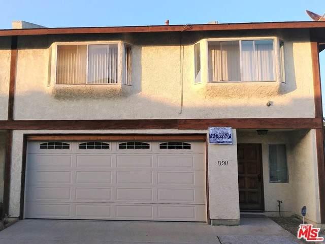13501 Lemoli Avenue, Hawthorne, CA 90250 (#19529968) :: Team Forss Realty Group