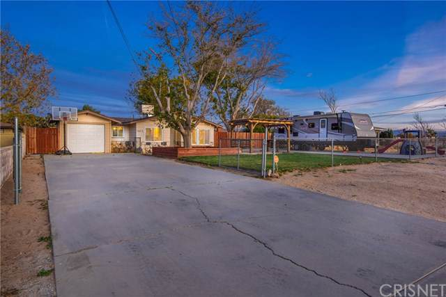 42410 32nd Street W, Lancaster, CA 93536 (#SR19258322) :: The Costantino Group | Cal American Homes and Realty