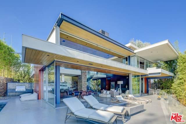 8400 Grand View Drive, Los Angeles (City), CA 90046 (#19530388) :: Mainstreet Realtors®
