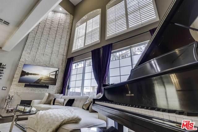 1342 N Sierra Bonita Avenue #204, West Hollywood, CA 90046 (#19530260) :: Powerhouse Real Estate