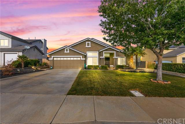 6811 Teasdale Street, Lancaster, CA 93536 (#SR19264875) :: The Costantino Group | Cal American Homes and Realty