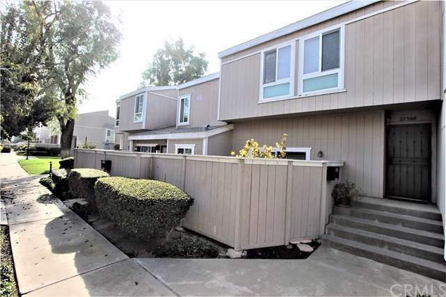 2730 W Segerstrom Avenue B, Santa Ana, CA 92704 (#PW19265789) :: Crudo & Associates