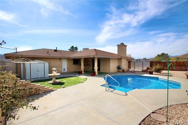 57442 Saint Marys Drive, Yucca Valley, CA 92284 (#JT19265800) :: RE/MAX Masters