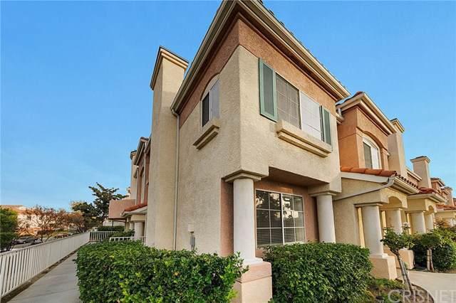 27019 Karns Court #1302, Canyon Country, CA 91387 (#SR19265823) :: Blake Cory Home Selling Team
