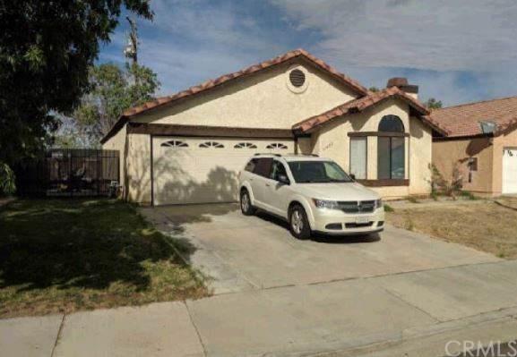 37433 Lilacview Avenue, Palmdale, CA 93550 (#DW19266075) :: Powerhouse Real Estate