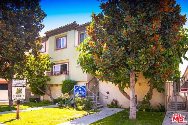15200 Sherman Way, Van Nuys, CA 91405 (#19530572) :: Mainstreet Realtors®