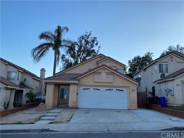15563 Riviera Lane, Fontana, CA 92337 (#OC19265388) :: The Costantino Group | Cal American Homes and Realty