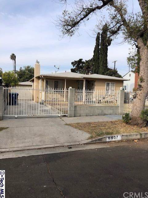 6937 Goodland Avenue, North Hollywood, CA 91605 (#319004590) :: Berkshire Hathaway Home Services California Properties