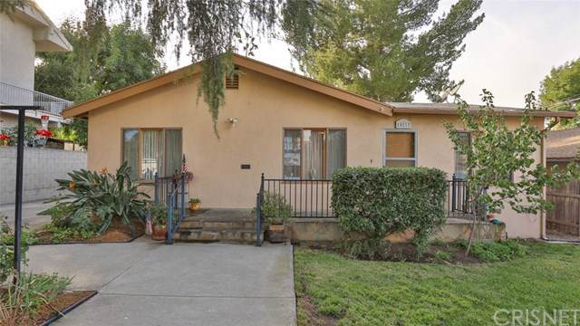 10217 Floralita Avenue, Sunland, CA 91040 (#SR19266278) :: The Brad Korb Real Estate Group