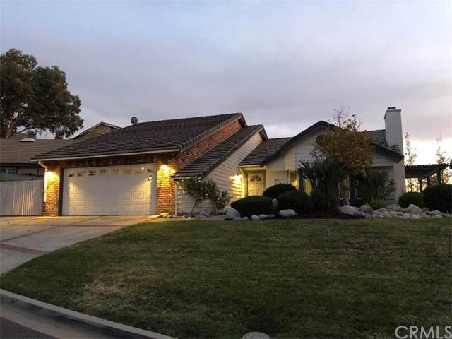 29640 Longhorn Drive, Canyon Lake, CA 92587 (#IV19266361) :: A|G Amaya Group Real Estate