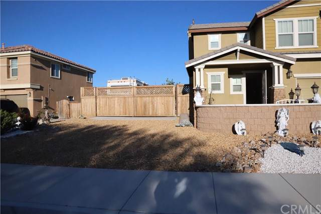 16936 Jurassic Place, Victorville, CA 92394 (#PW19266742) :: Sperry Residential Group
