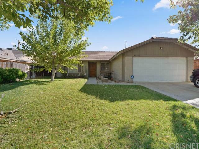 44304 Albeck Avenue, Lancaster, CA 93536 (#SR19267083) :: The Miller Group