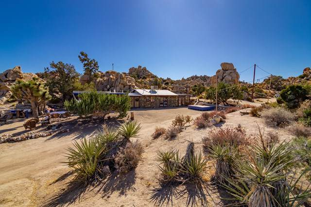 5845 Cholla Avenue, Yucca Valley, CA 92284 (#219033713PS) :: Sperry Residential Group