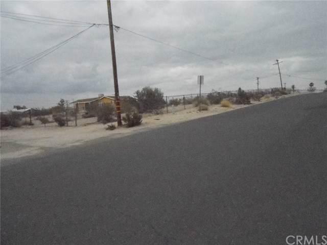 73598 Desert Trail Drive, 29 Palms, CA 92277 (#JT19267536) :: Berkshire Hathaway Home Services California Properties