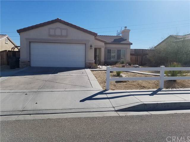 15957 Llanada Avenue, Victorville, CA 92394 (#TR19267650) :: RE/MAX Innovations -The Wilson Group
