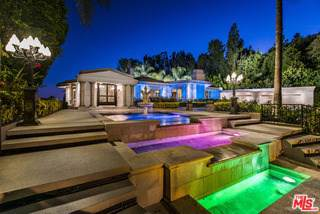 911 Loma Vista Drive, Beverly Hills, CA 90210 (#19530242) :: Powerhouse Real Estate